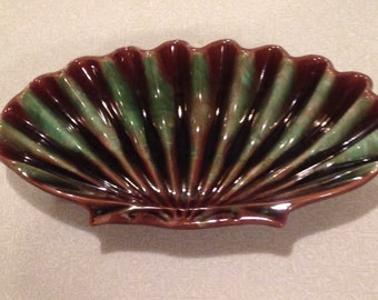 Royal Haeger green and black shell candy dish.
