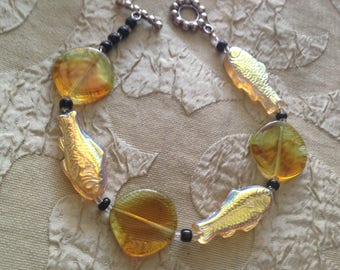 """Glass Fish Bracelet Toggle Clasp Handmade 8.5 Inches """"A Fishy Story"""""""