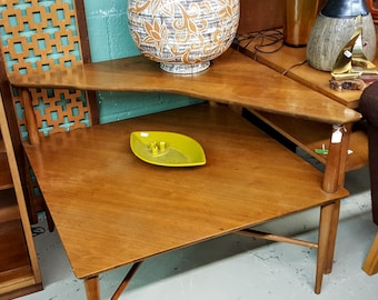 Mid Century Modern Heritage Henredon Walnut Two-tier Corner Table End Table