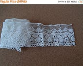 CLEARANCE - White floral lace trim, 3 x 36 inches