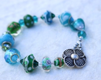 Turquoise and Green Glass Beaded Bracelet
