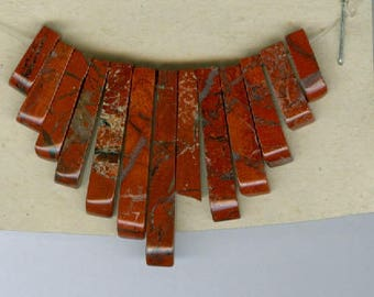 Red Jasper Fan, Broken Red Breciated Jasper Mini Cleopatra Collar Fan Pendant Beads 13 Piece Graduated Stick Bead 5103
