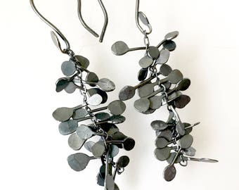 Silver Seaweed Chain Dangle Earrings Jiggly Fluttery Blackened Oxidized Sterling