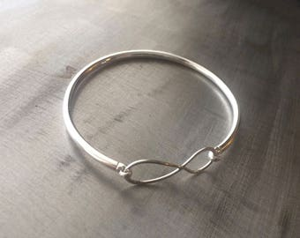 Sterling Silver Infinity bangle bracelet - Infinity Bangle - Infinity Bracelet - Gift for her-Forever bracelet - infinity stackable
