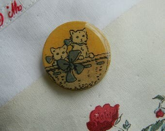 Brooch - Antique paper and wooden chips brooch - Handmade jewelry - handmade brooch -  1930 graphic - Cats - Kitten