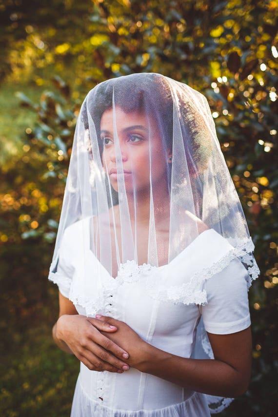 Lace edged tulle veil, Long bridal drop veil, IVORY or WHITE, Thin floral lace oval veil, Fingertip veil, Unique veil, Vintage mantilla veil