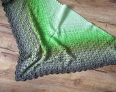 1 skein crochet shawl pattern, Through the Pinewoods Shawl, Scheepjes Whirl, stiped, colour change yarn, green,  brown, yarn cake pattern