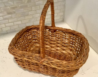 Small Vintage Easter Sewing Crafting Basket