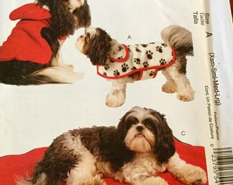 McCalls 5738 Dog Clothes All Sizes, Coat and Mat, all sizes, uncut