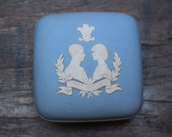 Vintage Wedgewood royal wedding commemorative box