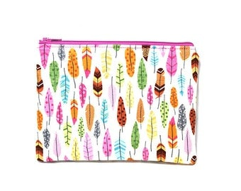Cosmetic Case, Cord Case, Bridesmaid Gifts, All-Purpose Zipper Case, Under the Stars Feathers on Cream 9040