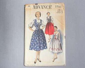 Vintage Dress Pattern / 50s Dress Pattern / Uncut Pattern Advance 5753 Balloon Sleeves Corset Lacing Dirndl Sundress 25 waist sz 12 FF
