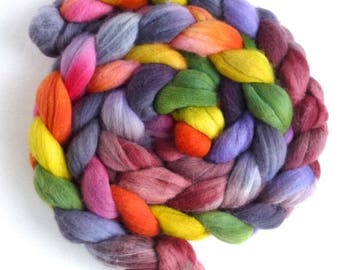 Rambouillet Wool Roving - Hand Painted Spinning or Felting Fiber, Uncertain Circles