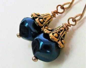 Midnight Blue Pearl Earrings, Dark Navy Blue Pearl and Gold Earrings