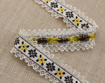 2.5 Yards of Brocade Ribbon Trim with Lace Edges 1 Inch Wide