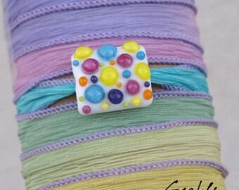Confetti - Bracelet / Collier / Bandeau - lampwork pillow à plumetti multicolore - verre et soie -  Gaelys