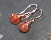 Boucles d'oreilles Pierre de soleil du fil de cuivre enroulé Briolette Orange boucles d'oreilles pierres précieuses boucles d'oreilles