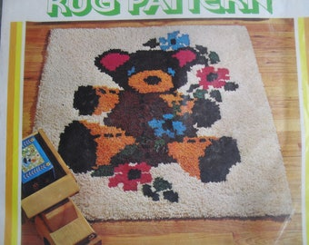 Latch Hook Rug Kit New by Spinnerin Teddy Bear Wall Hanging Rug