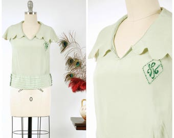 Vintage 1920s Blouse - Charming 20s Blouse of Spring Green Silk with Scalloped Collar and Pleated Waistline