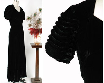 Vintage 1930s Dress - Sultry Black Velvet Latee 1930s Dress with  Midwaist  and Exceptional Sleeves with Thick Piping