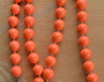 "On sale Pretty Vintage Bright Orange 12mm Plastic Beaded Necklace, 28"" (U14)"