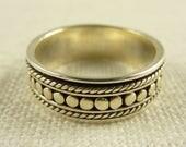 Size 8 Vintage Sterling Spinner Ring