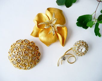 Vintage Rhinestone Flower Jewelry Destash Lot 1950's, Crystal Clear Rhinestones, 3 Brooches Gold Tone Metal