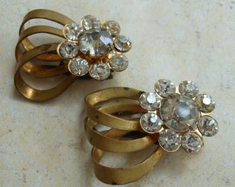 Deco rhinestone dress clips flowers brass pretty ready to wear Art Deco jewelry