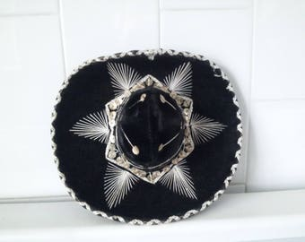 Vintage  BLACK  Medium Sombrero For Pet