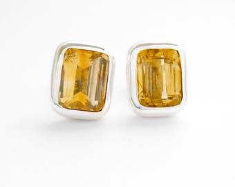 Balinese Sterling Silver Citrine gemstone stud Earrings / silver 925 /  Bali handmade jewelry / 1 cm / (#193m)