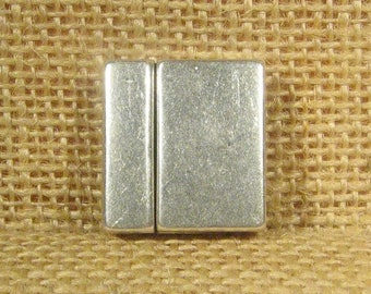 25% Off Magnetic Clasps for 20mm Flat Leather - Antique Silver