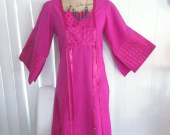40% OFF Christmas in July Fabulous Vintage Asian Designer Caftan Style Dress in Magenta Pink by Aiko California -- Size M