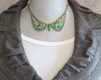 Vintage 1950s Shades of Green Rhinestone Gold Tone Choker Necklace