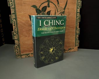 I Ching Book of Changes 1973 - Vintage Chinese Fortune Telling Book -  Spiritual Oracle Divination Manual - Numerology