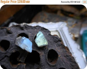 Vedmak. Rough uncut Silver & Blue Flash Labradorite gemstone chunk specimens and titanium post studs. Simple rustic everyday earrings