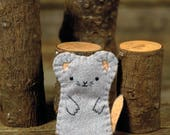 hand-stitched wool felt finger puppet: mouse by kata golda