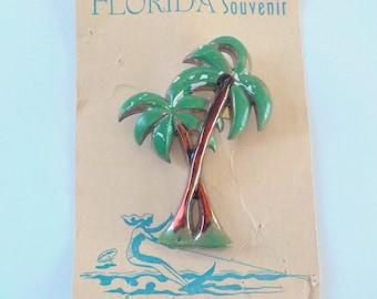 Vintage Plastic Palm Tree Pin • Vintage Florida Souvenir Brooch • Vintage Made in the USA Souvenir Pin
