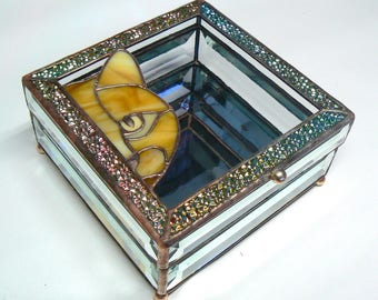 The Curious Cat Crystal Box