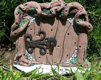 Fairy Door 1326 Hobbit