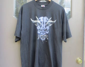 Vtg Alien / demon  90s tee shirt    by fruit of loom  sz xlarge