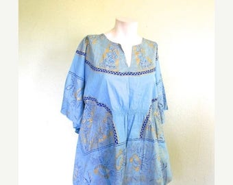 SUMMER SALE vintage.  70s Blue Cotton Butterfly  Tunic // S to M