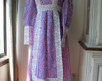Vintage Floral Dress with Lace, Petit, Size 2, Pink and Lavender, Bohemian, Prairie Gunne Sax Style
