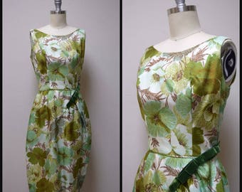 Vintage 50s/60s Green Multi Colored Floral Cocktail Formal Wiggle Dress Size XS