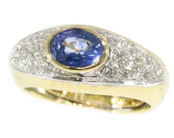 Natural oval blue sapphire ring brilliant cut diamonds .88ct 18k yellow gold vintage ring