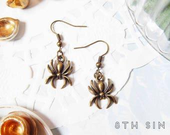 Antique Bronze Spider Earrings, Antique Bronze Spiderweb Earrings, Antique Bronze Spider Web Earrings, Gothic Spider, Black Widow Earrings