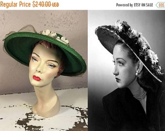 Anniversary Sale 35% Off Demur Emerald Eyes - Vintage 1940s Evelyn Varon Emerald Green Floral Straw Wide Brim Hat