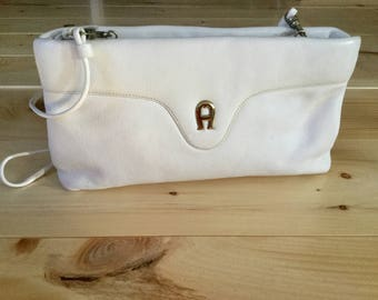 Vintage 1990's Etienne Aigner White leather Shoulder Bag Clutch Purse