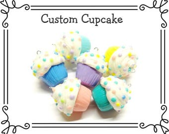Custom Cold Porcelain Clay Cupcake Pendant, Cupcake Clay Charm, Cupcake Purse Charm, Cupcake Necklace, Miniature Food, Gift / Food Jewelry