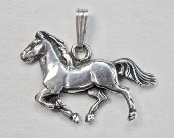 Horse Pendant Sterling Silver Equestrian Necklace Kentucky Derby Charm Vintage Jewelry Necklace Animal Jewelry A Day At The Races Horse Race