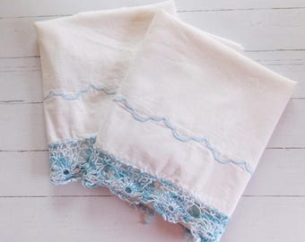Vintage Muslin Pillowcase Set / White w/Blue Edging / Vintage Bedding